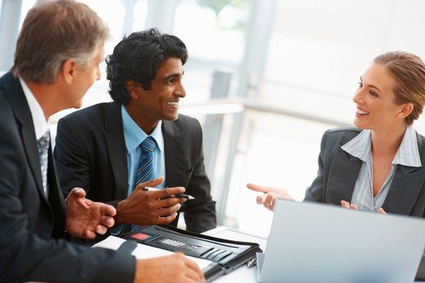 Indien-Team-Meeting-Interkulturelles-Training-Beziehung-Vertrauen-Netzwerk