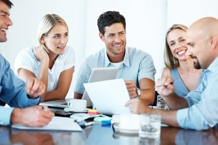Teamwork-Konsens-Niederlande-Meetings-Kollegenkontakt-Interkulturelles-Training-Niederlande